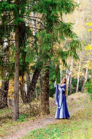 Хорошо, когда рядом с домом есть лес, по которому можно прогуляться в свободное время. И хорошо, когда есть свой персональный фотограф))). У меня это сын)) фото 4
