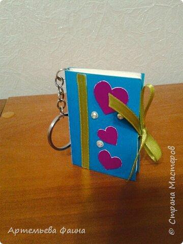 Брелок мини-блокнотик украшенный лентой и стразиками фото 2