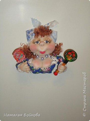 Маленькие текстильные куколки - ограничитель доступа к холодильнику)  Размер кукол 10 на 12 см Вот такой батальон аппетитных дам получился!!! фото 10
