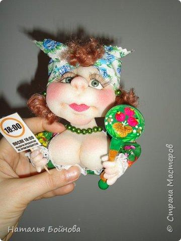 Маленькие текстильные куколки - ограничитель доступа к холодильнику)  Размер кукол 10 на 12 см Вот такой батальон аппетитных дам получился!!! фото 2