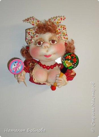 Маленькие текстильные куколки - ограничитель доступа к холодильнику)  Размер кукол 10 на 12 см Вот такой батальон аппетитных дам получился!!! фото 14