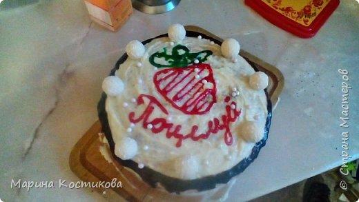 Этот торт я готовила в первый раз,поэтому были некоторые проблемы. В первую очередь с определением диаметра формы для выпекания и желе. Но получилось очень вкусно.  фото 1