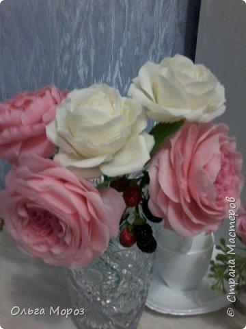 Начала лепить английские розы Остина Девида,подсмотрела МК. у Инны Голубевой и влюбилась!Для основного цвета использовала розовую масляную пастель. фото 1
