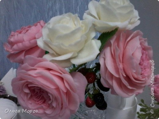 Начала лепить английские розы Остина Девида,подсмотрела МК. у Инны Голубевой и влюбилась!Для основного цвета использовала розовую масляную пастель. фото 2