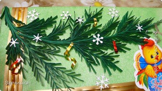 Сегодня хочу показать, как оформила коробочки с конфетами подругам в подарок к Новому году! Сама улетаю домой на Камчатку, а эти коробочки вместе с небольшими презентиками в виде прихваток с яркими петушками- символами Нового года, упаковала в непрозрачные пакеты, чтобы подружки вскрыли их именно 31 декабря.Эта традиция у меня уже постоянная. И мне приятно всегда, когда девочки получают такие сюрпризики! фото 10