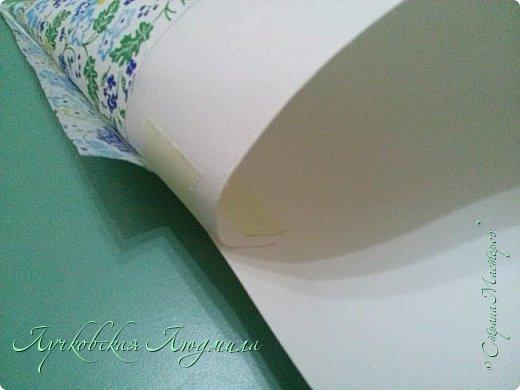 Нашла у себя такие вот красивые салфетки и возникла идея использовать их при оформлении елочек. У кого есть красивые салфетки предлагаю сделать и себе елочку к Новому году. фото 9