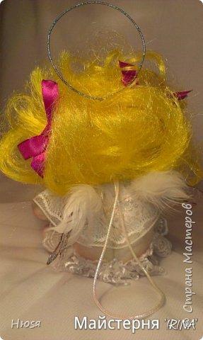 Техника: скульптурный текстиль.  Материал: капрон, синтепон, натуральные перья и хорошее настроение. на подвеске. 20 см .  фото 9