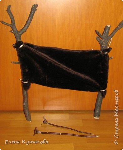 """На день рождения сына я провела праздник для детей """"Охотники на мамонтов"""". Дети были членами племени Вурров (медведей). Голова медведя была тотемом племени. Себе сделала накидку из плюша, пришила куски меха, сделала бусы и меховые браслеты. фото 13"""