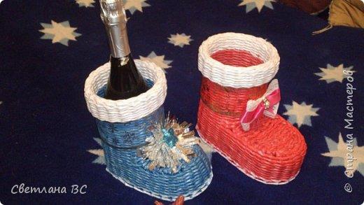 Сразу выложу остальные работы, пока не перепутала все. Это новогодние заказы. Сапожки новогодние разных цветов попросили, декор у всех разный. Красила колерами синее море, красный и персиковый (розового у меня не оказалось). фото 5
