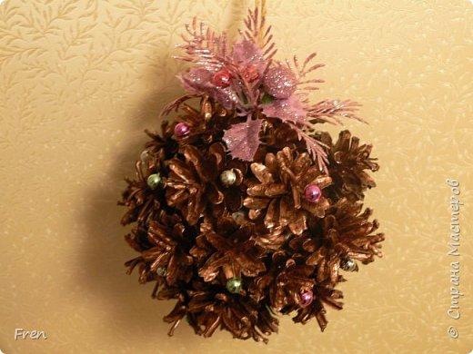 Еще один новогодний шарик и идея по его украшению.  Основной МК: http://stranamasterov.ru/node/1063771.  фото 1