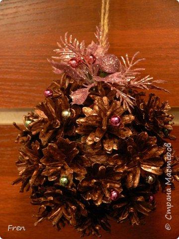 Еще один новогодний шарик и идея по его украшению.  Основной МК: http://stranamasterov.ru/node/1063771.  фото 2