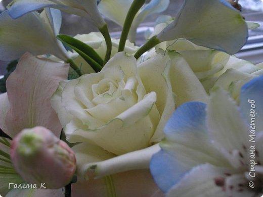 Экспериментировала с фарфором, лепила цветочки, качество фарфора мне не понравилось,при сушке давал деформацию,но цветочки жаль было выбрасывать, решила собрать в композицию! Получилась нормальненькая вроде!Что-то лучше вышло, что-то ужасно)))) В общем больше не экспериментирую! Даю слово!)))))))  фото 5