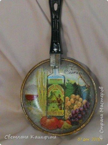 Здравствуйте, дорогие мастерицы! Очередная сковородка. Уж очень мне нравится этот предмет кухонной утвари! фото 1