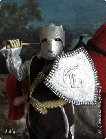 """Шенегар Тротт, граф Суссекский.  Один из вельмож и полководцев Гранбританской империи, антагонист в книге """"Рунный Посох"""".  Крупный, полный мужчина, в отличии от большинства аристократов не любит носить церемониальную маску. Обаятелен, но коварен, очень начитан, эрудирован и умен. Левая рука Императора. фото 18"""
