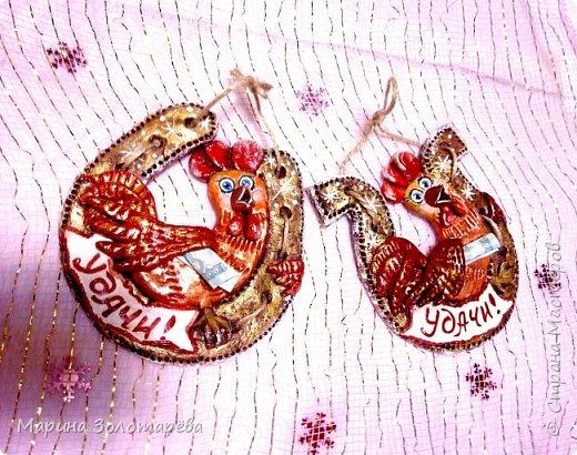 Здравствуй, Страна!!!  Принимай в свою стаю и моих петухов) За идею петушков-сердечек благодарю Настю-Домотею) Я оформила их на свой вкус, приложила фантазию и вот что получилось)Сувенирные подвески) фото 8