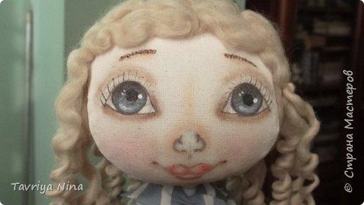 Кукла из бязи,лицо расписано акриловыми красками,волосы-шерсть.Платье из хлопка.Туфельки-кожа. фото 4