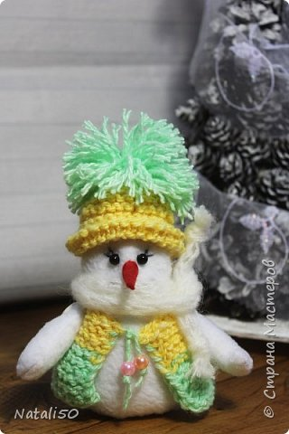 Доброго всем дня!! И с первым днём зимы!! Спешу показать свои рукоделочки -петушки да еще снеговичок.Шила их по играм, посылочки пришли   к своим новым хозяевам ,так что могу я показать свои работы. Петя ароматно-кофейный фото 10