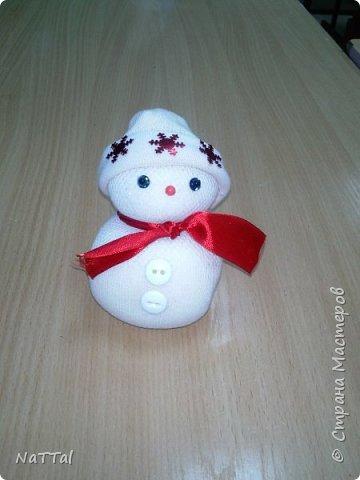 Кто сказал, что снеговики бывают только белыми!? На самом деле они бывают разными!!! Именно это доказали девочки, которые их сделали за 40 минут. фото 9