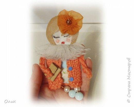 Очень модный тренд сезона куколки - брошки ручной работы. фото 5