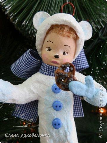 Очередной ватный малыш, в костюме белого медвежонка. фото 2
