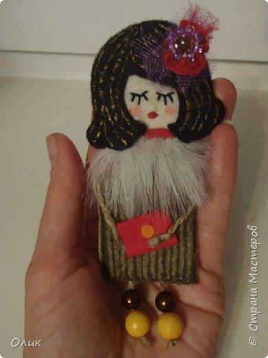 Очень модный тренд сезона куколки - брошки ручной работы. фото 13