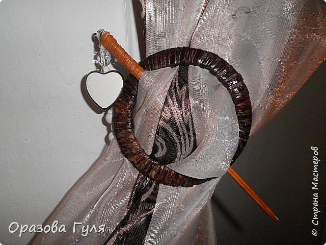 Часы с комнатным термометром и крючками для ключей. фото 17