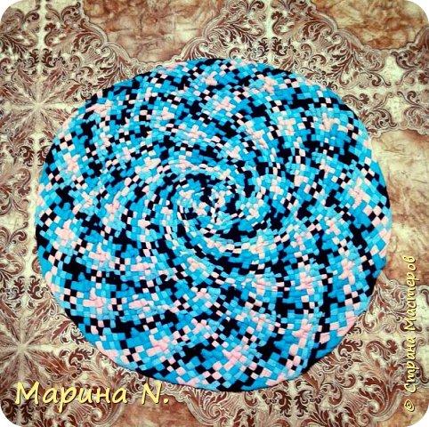 Здравствуйте! Плетеные коврики по мастер-классу Ольги Фроловой..МК был случайно найден в интернете и очень захотелось попробовать незнакомую технику! фото 2