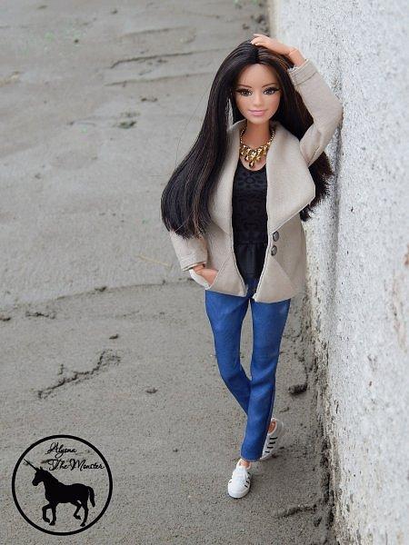 Приветствую всех жителей Страны Мастеров! Недавно я сшила зимне-осеннее укороченное пальто для куклы.  фото 3