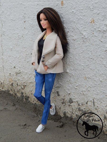 Приветствую всех жителей Страны Мастеров! Недавно я сшила зимне-осеннее укороченное пальто для куклы.  фото 4