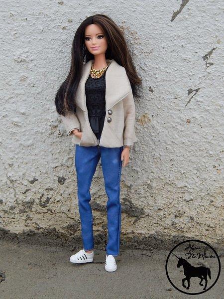 Приветствую всех жителей Страны Мастеров! Недавно я сшила зимне-осеннее укороченное пальто для куклы.  фото 5