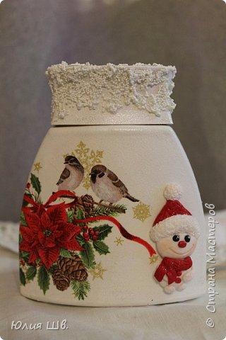Доброго всем дня! Я сегодня с новыми работами для новогодних подарочков. Банка для кофе. Снеговик вылеплен из запекаемой полимерной глины. фото 1