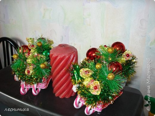Дорогие жители СМ! С наступающим Новым Годом!!! Такие санки с конфетками улетят к хорошим людям в преддверии Нового Года. фото 1