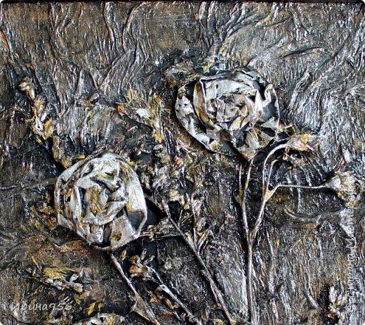 Остались цветочки от этой кусудамы https://stranamasterov.ru/node/581690 И приспособились сюда :) Размер цветов - около 7 см. Размер панно - А4. фото 15