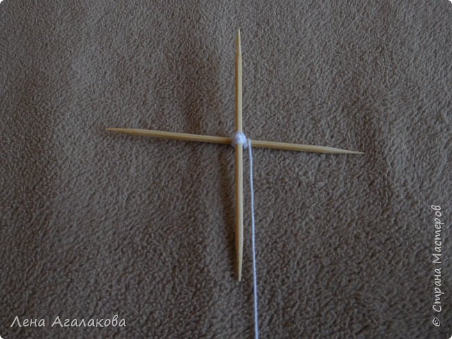 По просьбам выкладываю МК по плетению рождественского ангелочка из ниток. фото 8