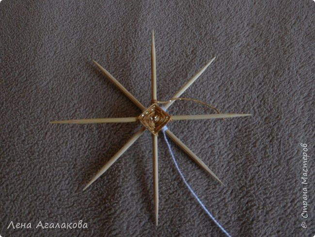 По просьбам выкладываю МК по плетению рождественского ангелочка из ниток. фото 15