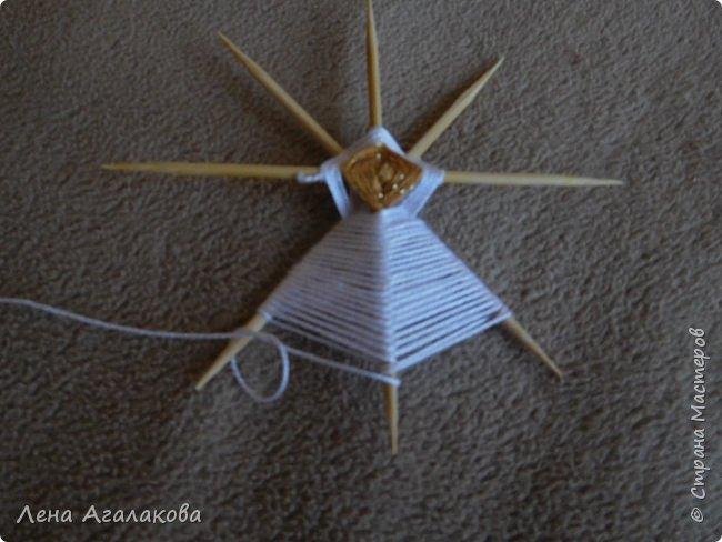 По просьбам выкладываю МК по плетению рождественского ангелочка из ниток. фото 22