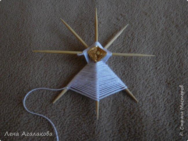 По просьбам выкладываю МК по плетению рождественского ангелочка из ниток. фото 23