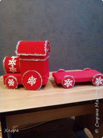 """Вот такой паровоз с платформой """"привезет"""" подарки моей птичке на Новый год."""
