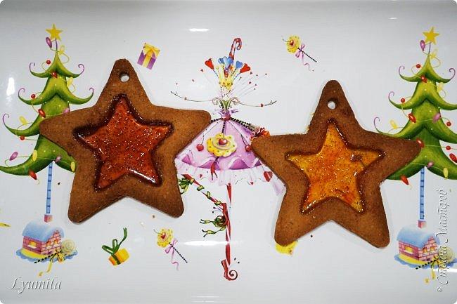 Добрый день, друзья! Поздравляю ВСЕХ жителей СМ с наступающим Новым годом!!! Сегодня с детьми пекли витражное печенье. Такое печенье будет украшением ёлки и праздничного стола! фото 9
