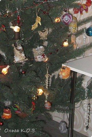 Плакат к НГ и елка с самодельными игрушками фото 4