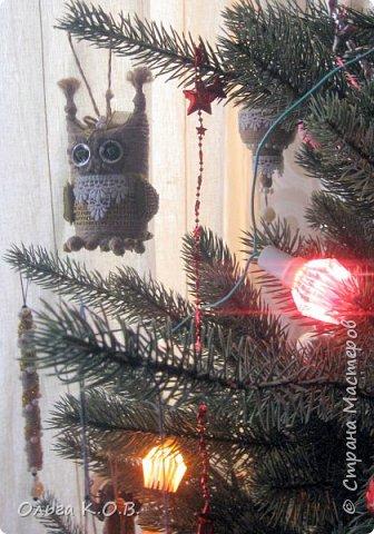 Плакат к НГ и елка с самодельными игрушками фото 10