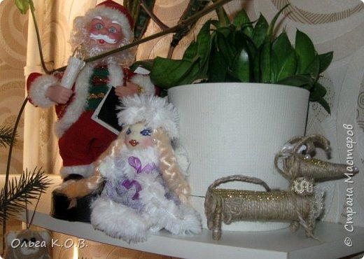 Плакат к НГ и елка с самодельными игрушками фото 12