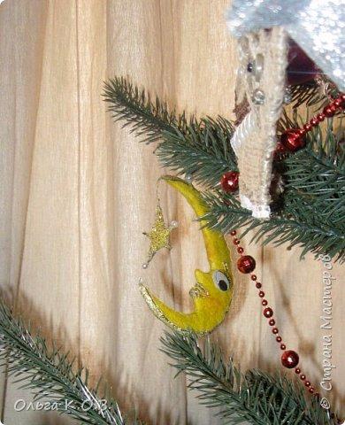 Плакат к НГ и елка с самодельными игрушками фото 13