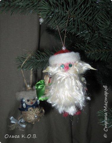Плакат к НГ и елка с самодельными игрушками фото 14