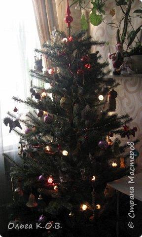Плакат к НГ и елка с самодельными игрушками фото 19
