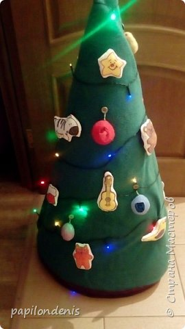"""Здравствуйте, жители """"Страны мастеров"""". С Новым годом вас и с наступающим Рождеством Христовым! Я решила показать сегодня два вида елочек, которые делала к Новому году. фото 2"""