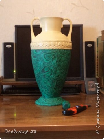 Малахитовая ваза из трех литровой банки. фото 12