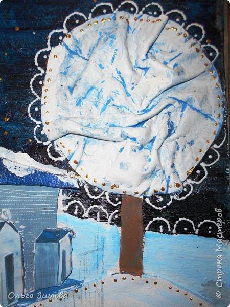 """Наша конкурсная работа на районный конкурс """"Рождественская звезда"""" Работу выполнили 2 девочки из 8 класса. Это храм """"Петра и Павла """" в с. Икряном. Мы попытались показать таинство рождественской ночи. Работа внушительная 50 на 60 см.Основные элементы выполнены из кожи.Ангел из гофрированной бумаги. фото 5"""