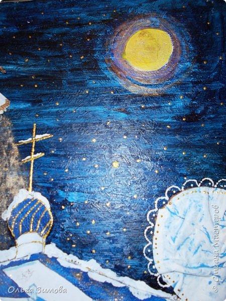"""Наша конкурсная работа на районный конкурс """"Рождественская звезда"""" Работу выполнили 2 девочки из 8 класса. Это храм """"Петра и Павла """" в с. Икряном. Мы попытались показать таинство рождественской ночи. Работа внушительная 50 на 60 см.Основные элементы выполнены из кожи.Ангел из гофрированной бумаги. фото 6"""