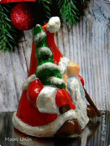 Сегодня у меня Деды Морозы и скандинавские гномики.  Такой гномик - традиционный скандинавский вариант «новогоднего дедушки». В Швеции его зовут Юль Томтен, и внешне он похож на младшего брата Деда Мороза. фото 12